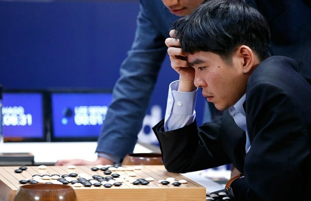 Бывший чемпион по го Ли Седоль объявил об уходе из спорта из-за превосходства искусственного интеллекта