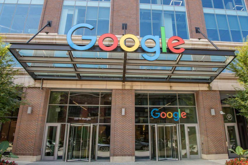 1,6 тыс. сотрудников Google потребовала от компании прекратить сотрудничество с полицией